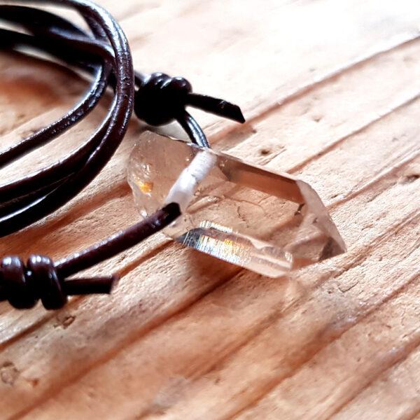 Berg Kristall Anhänger mit Lederband